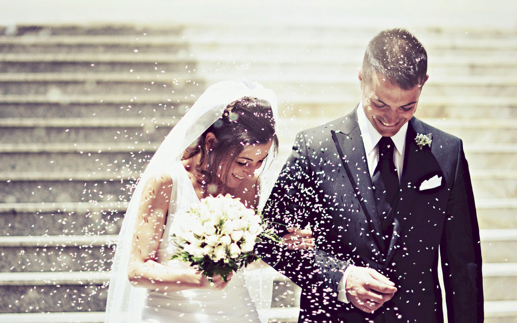 6907209-wedding-couple